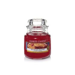 Candele profumate Yankee Candle color rosso  Rhubarb Crumble Small Jar online - Prezzo:   11.90 €