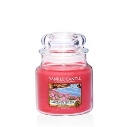 Candele profumate Yankee Candle color rosa  Garden By The Sea Medium Jar online - Prezzo:   24.90 €