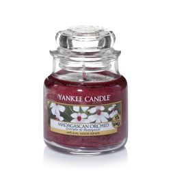 Candele profumate Yankee Candle color rosso  Madagascan Orchid Small Jar online - Prezzo:   11.90 €