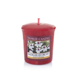 Candele profumate Yankee Candle color rosso  Madagascan Orchid Votive online - Prezzo:   2.65 €