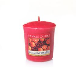 Candele profumate Yankee Candle color rosso  Mandarin Cranberry Votive Candle online - Prezzo:   2.65 €