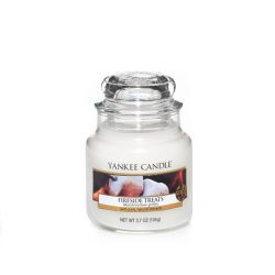 Candele profumate Yankee Candle color bianco  Fireside Treats Small Jar online - Prezzo:   11.90 €